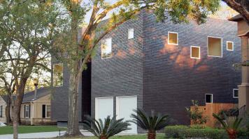 Witte-EL_HOUSE_FROM-STREET
